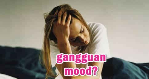 menderita tanda-tanda gangguan psikologis suasana hati
