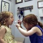 Bagaimana Mengenalkan dan Menjelaskan Pekerjaan/Profesi Anda pada Anak